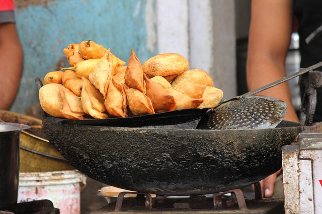 Food-10 famous Indian snacks